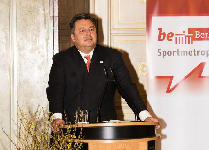 Senator Andreas Geisel würdigte die Leistungen der Berlin-Brandenburger bei den Weltspielen 2019 in Abu Dhabi. Foto: SOD/Stephanie Steinkopf